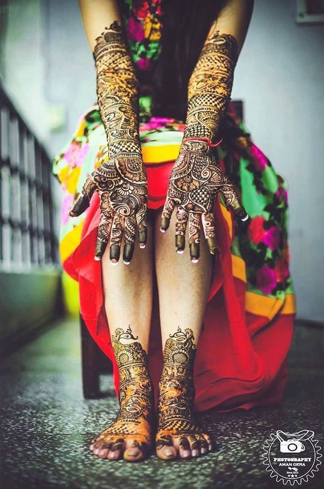 Wedding Photography Poses - Beautiful Mehendi shot
