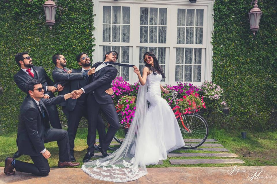 Bride And Bridesmaids Our Top 10 Must Have Clicks With