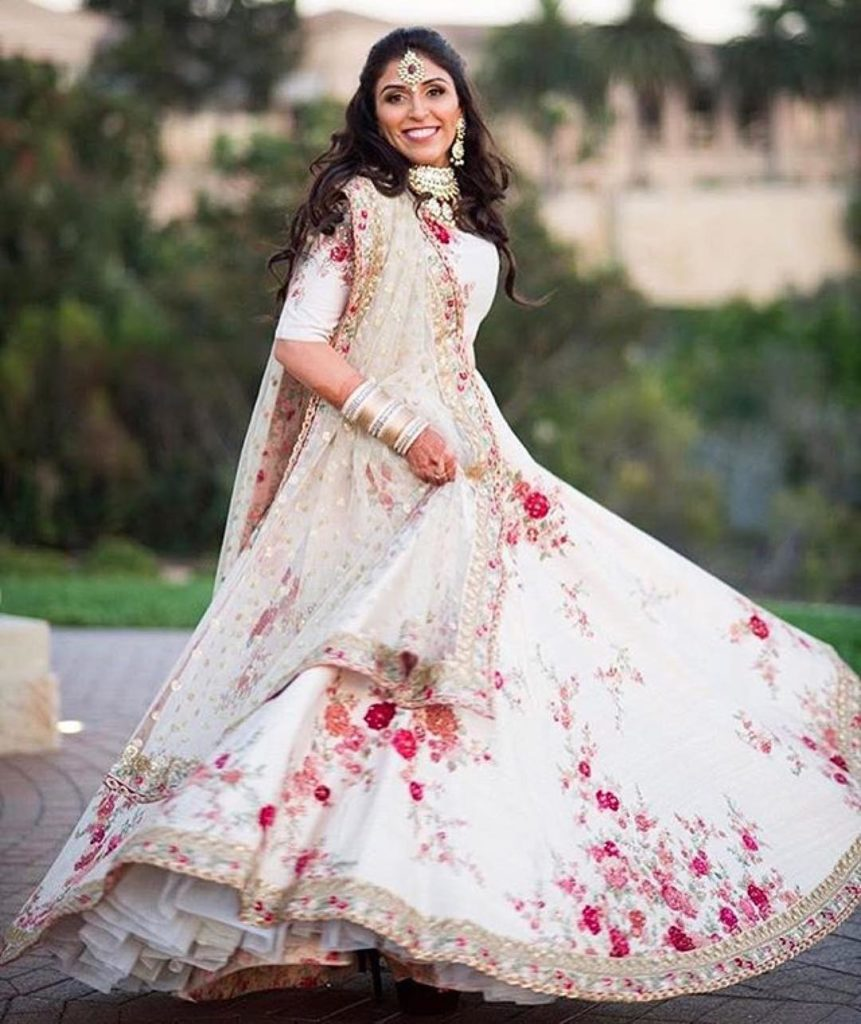 Bridal Lehenga Designs That You Just Can't Miss For A