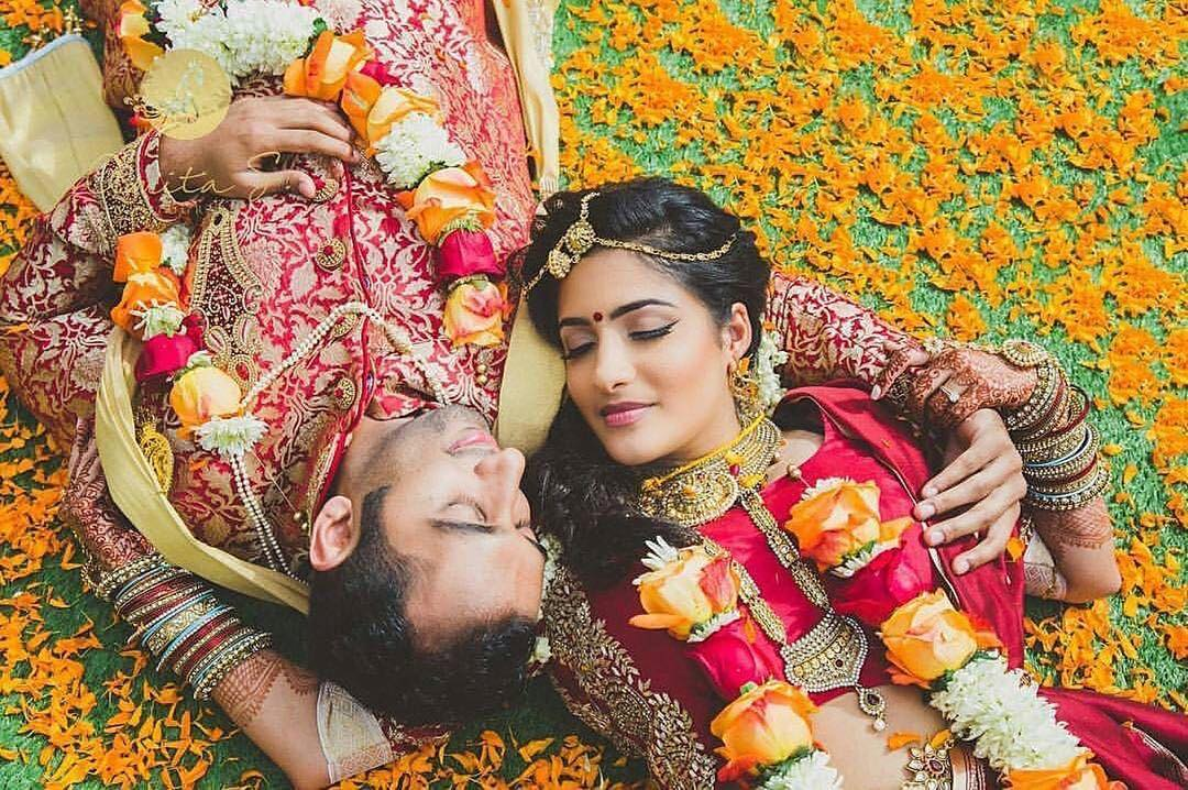 Must Have Couple Poses For Indian Weddings You Just Can T Miss