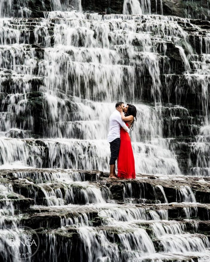 Pre Wedding Photos Ideas: 11 Awesome Prewedding Shoot Ideas You Just Can't Miss