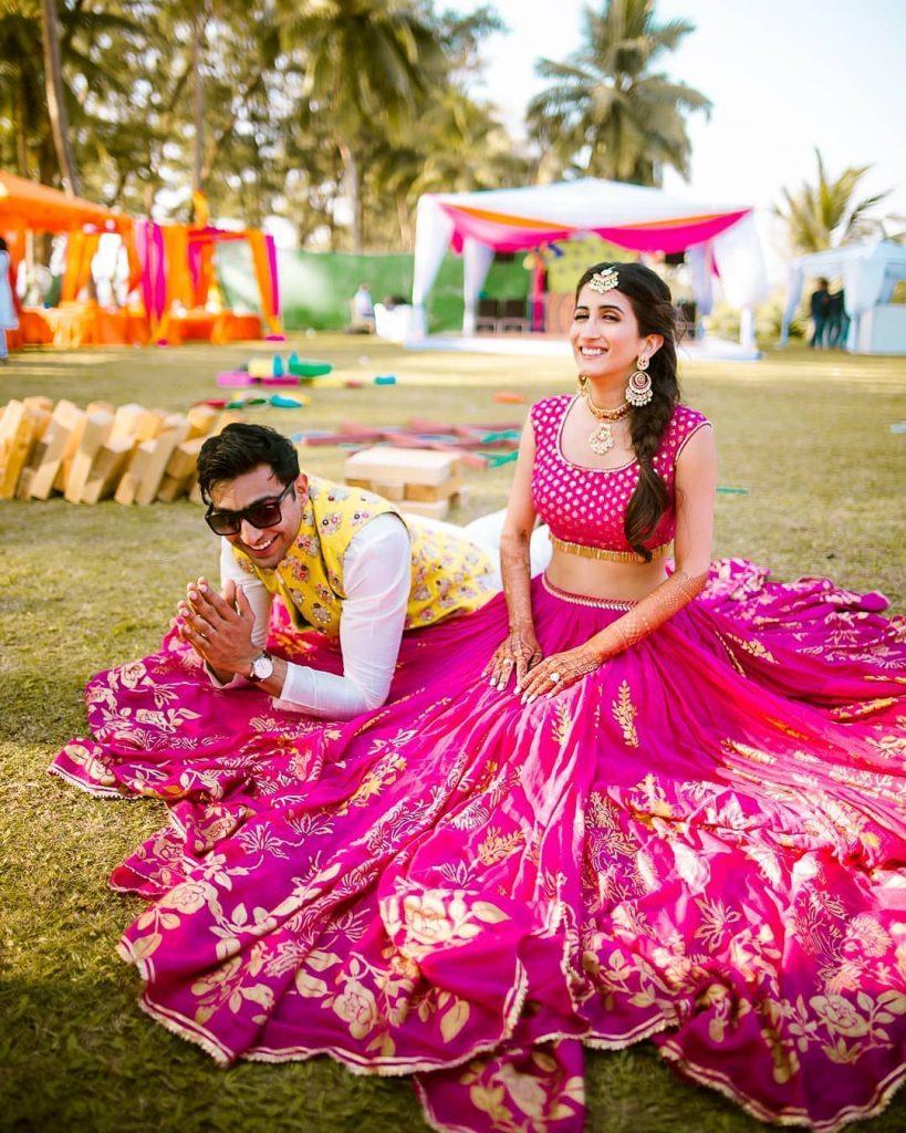 wedding lehenga poses
