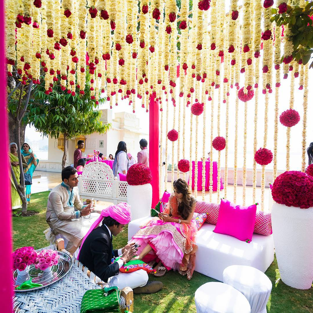 Mehendi Decor Ideas that are Ruling this Wedding Season!