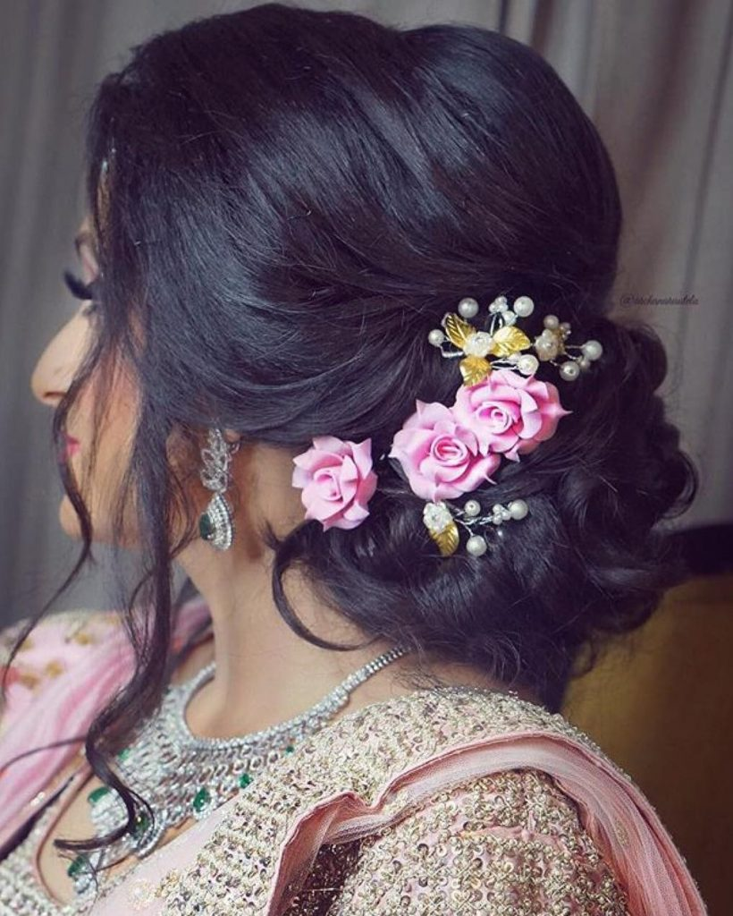 Top Trend Floral Hairstyles For Brides This Wedding Season