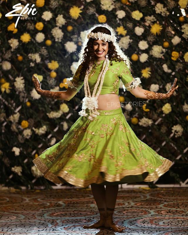 privika chaudhary mehendi ceremony