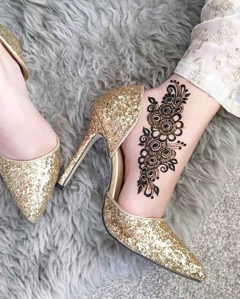 leg payal mehndi design