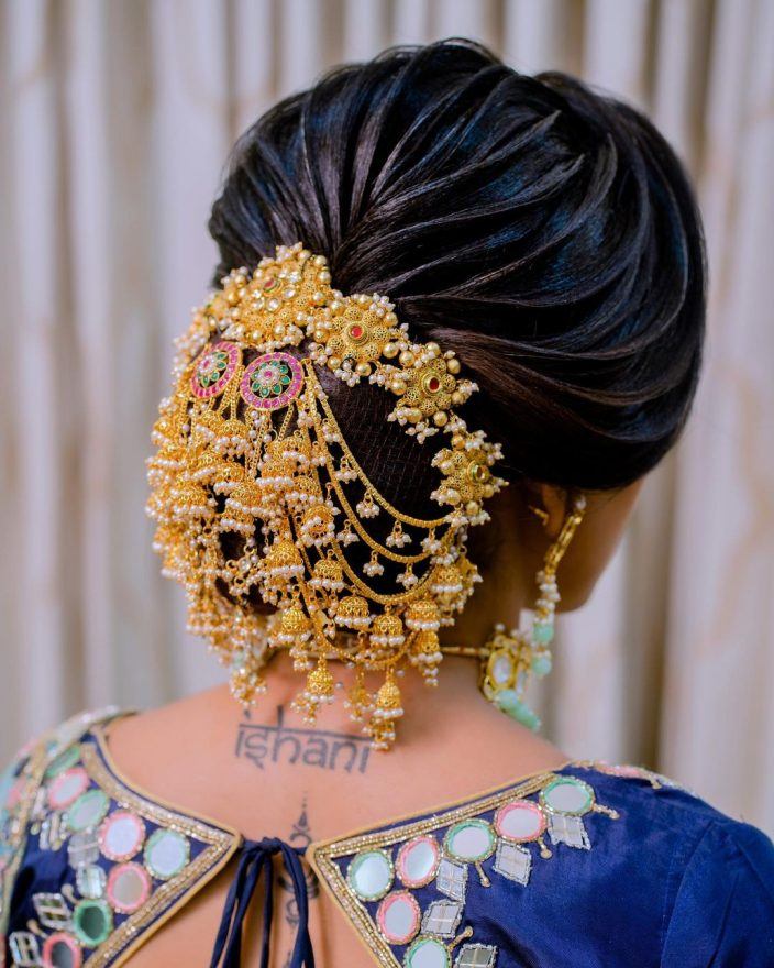 Stylish hairstyle for the Indian bride