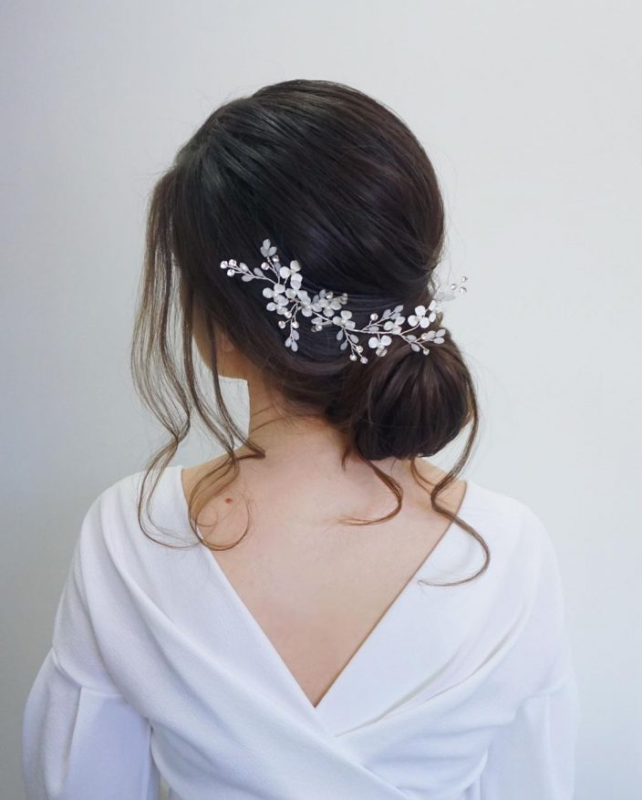 Minimal bridal hairstyle