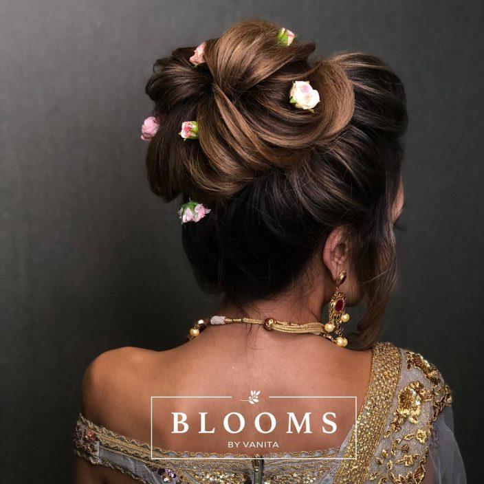 Stylish bun bridal hairdo
