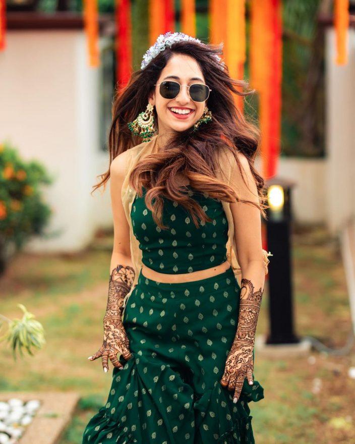 Beautiful tiara for the Indian bride